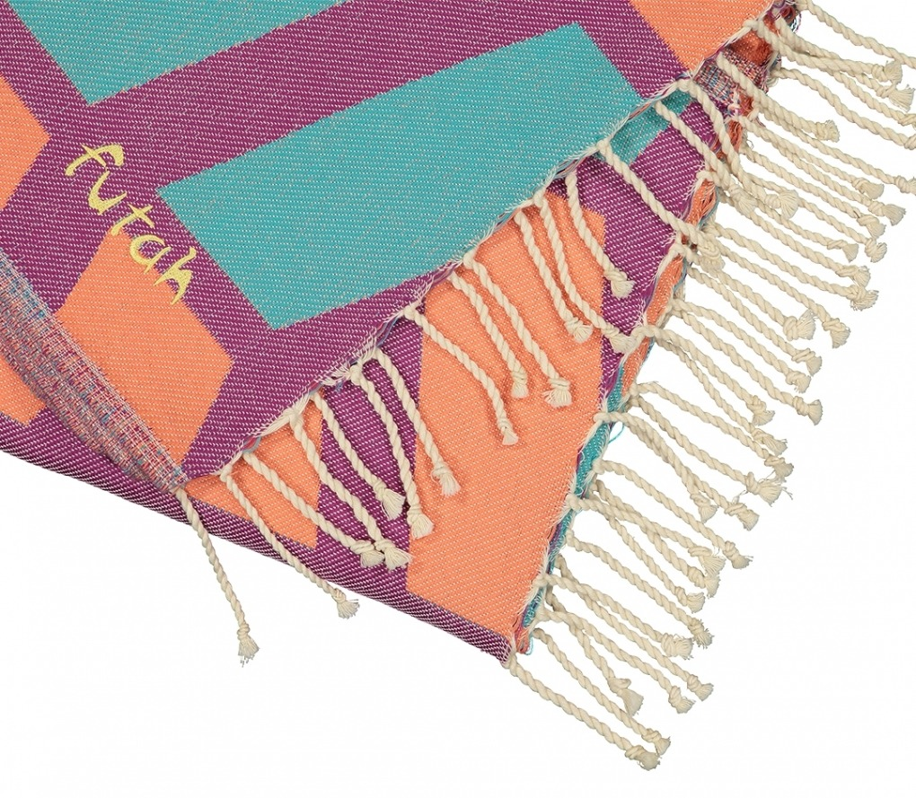 Futah_Beach_Towel_cova do vapor fuchsia & emerald_Detail