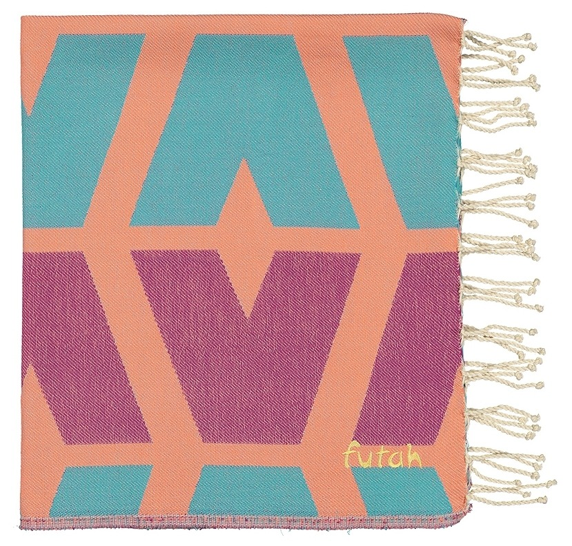 Futah_Beach_Towel_cova do vapor_ fuchsia & emerald _Folded