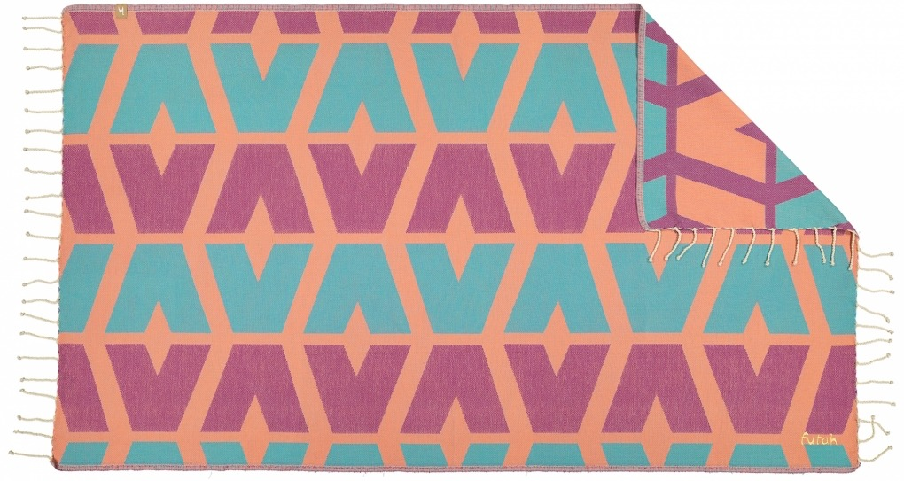Futah_Beach_Towel_cova do vapor_ fuchsia & emerald 2_Front