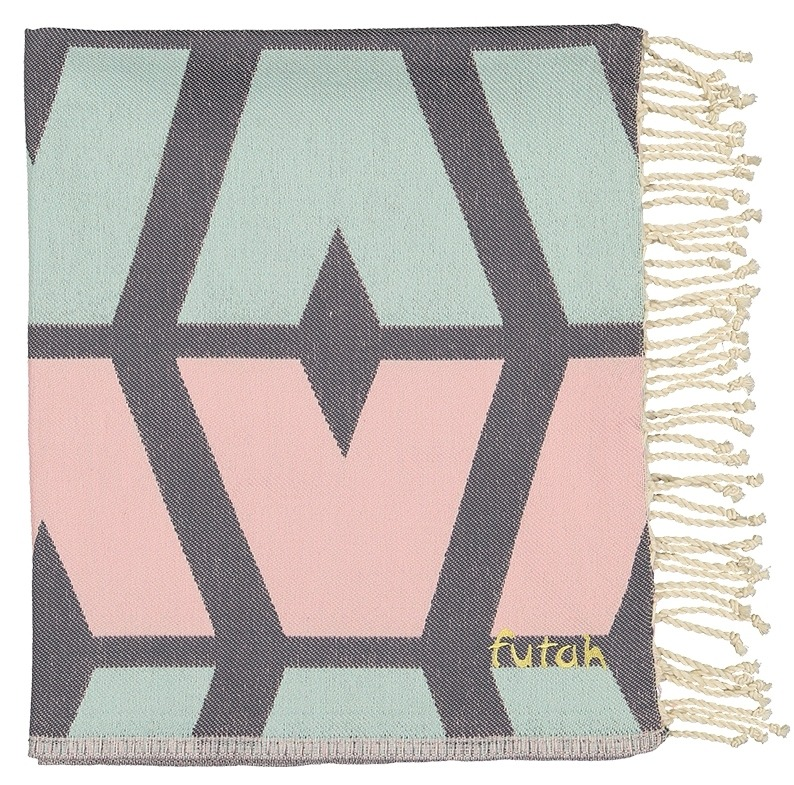 Futah_Beach_Towel_cova do vapor_ pink & grey_Folded