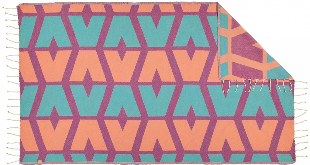 Futah_Beach_Towel_cova do vapor_ fuchsia & emerald 2_Back