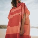 futah beach towels poncho Formosa Poncho Coral Peach Lookbook 3 DSC00546_min