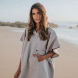 futah beach towels poncho Ericeira Poncho Opal Grey Lookbook 1 DSC00610_min