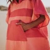 futah beach towels poncho Formosa Poncho Coral Peach Lookbook 2 DSC00544_min