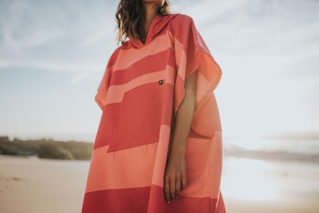 futah beach towels poncho Formosa Poncho Coral Peach Lookbook 3 DSC00546