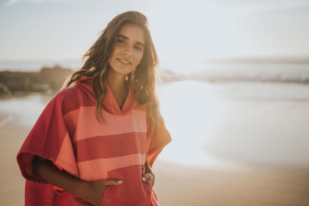 futah beach towels poncho Formosa Poncho Coral Peach Lookbook 5 DSC00552