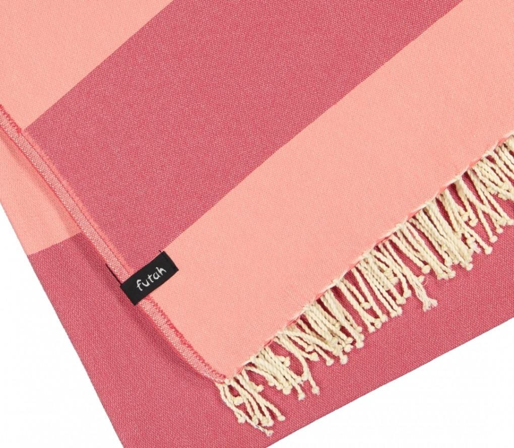 XL Towel Fomosa Coral Peach Detail