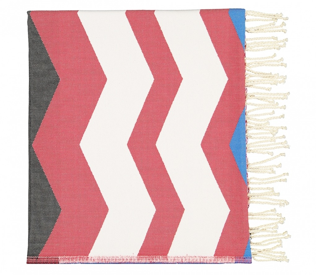Futah_Beach_Towel_odeceixe red & black_Folded
